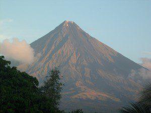 Mayon Volcano from Balay de la Rama using zoom